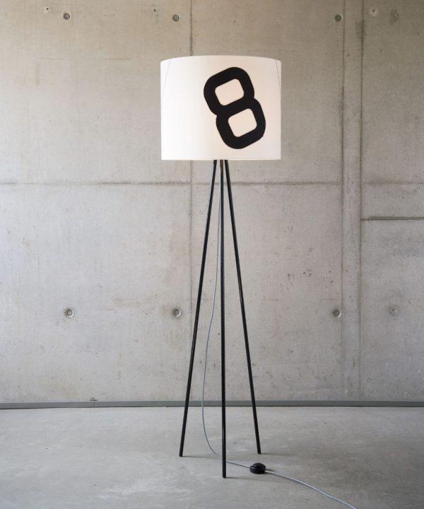 steheleuchte-tripod-heimathafen-mit-textilkabel-schwarz