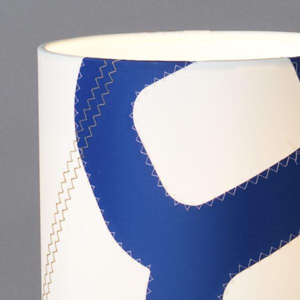 lumbono-tischleuchte-blau-weiss