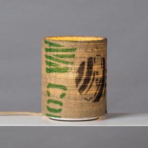 Tischleuchte N°4 Perlbohne aus Kaffeesack